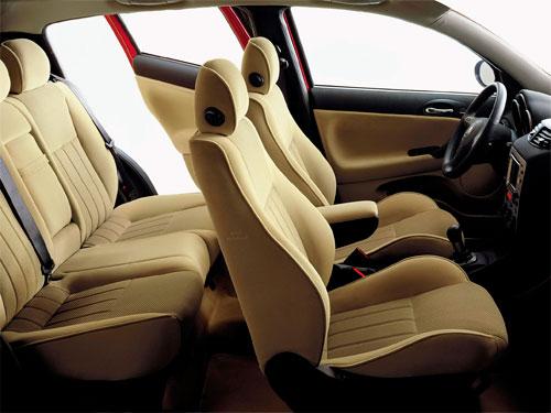 Alfa_Romeo_147_prima_serie-jtd-1.9-diesel-benzina-sospensioni-elettronica-portiere-paraurti-usata-interni-sedili-plancia-volante