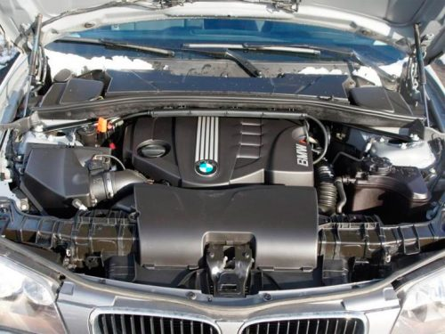BMW serie 1 E87 motore 130i BMW serie 1 E87 usata usato motore 120d 116d 118d diesel benzina 116i 120i 130i 135i 125i gpl metano problemi difetti sospensioni elettronica prezzi cambiare comprare acquisto ricambi distribuzione consumo spazio interni plancia volante sedili pomello cambio automatico manuale frizione idroblocco affidabilità