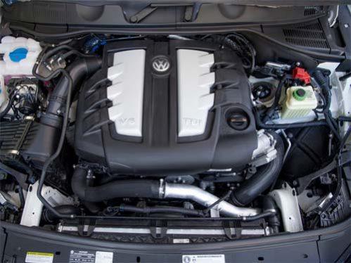 volkswagen touareg tuareg executive lux rline trendline comfortline highline sportline dsg tdi tsi tfsi fsi v6 v8 v10 v12 2.5 3.0 3.6 3.8 4.0 4.2 5.0 bluemotion 4motion offroad fuoristrada suv 2010 2011 2012 2013 2014 2015 2016 2017 2018 restyling facelift anno problemi usato usata comprare difetti affidabilità acquisto carrozzeria paraurti luci fari fanali specchietti vetri portiere ruote gomme cerchi cerchioni motore diesel benzina gas gpl metano gasolio consumi bluetec testata guarnizione pompa olio iniettori interni plancia volante radio multimedia sedili spazio bagagliaio prezzi riparazioni scatola sterzo sospensioni pneumatiche idrauliche adattive elettrica elettronica cambio manuale automatico distribuzione catena cinghia tenditore frizione filtro dpf fap olio freni caratteristiche sensori alzacristalli turbina climatizzatore condizionatore compressore accessori optional xeno lampadine centralina radiatore pastiglie chiusura centralizzata alternatore allestimenti chilometri navigatore hatchback dati tecnici ricambi grigia gomme griglia impianto audio recensione tergicristalli serbatoio cilindrata peso velocita massima accelerazione potenza cv kw impianto refrigerante lubrificante euroncap sicurezza italia opinioni