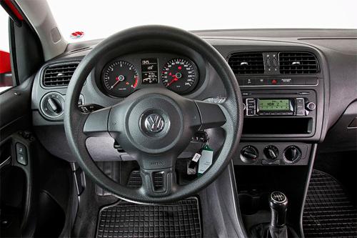 volkswagen polo v 5 6r cross gti sedan hatchback club berlina alltrack business ibrida vr6 executive lux rline trendline comfortline highline sportline dsg tdi tsi tfsi fsi 1.0 1.2 1.4 1.6 1.8 2.0 3.2 2.5 3.6 bluemotion 4motion 2009 2010 2011 2012 2013 2014 2015 2016 2017 restyling facelift anno problemi usato usata comprare difetti affidabilità acquisto carrozzeria paraurti luci fari fanali specchietti vetri portiere ruote gomme cerchi cerchioni motore diesel benzina gas gpl metano gasolio consumi bluetec testata guarnizione pompa olio iniettori interni plancia volante radio multimedia sedili spazio bagagliaio prezzi riparazioni scatola sterzo sospensioni pneumatiche idrauliche adattive elettrica elettronica cambio manuale automatico robotizzato distribuzione catena cinghia tenditore frizione volano monomassa bimassa filtro dpf fap olio freni caratteristiche sensori alzacristalli turbina climatizzatore condizionatore compressore accessori optional xeno lampadine centralina radiatore pastiglie chiusura centralizzata alternatore allestimenti chilometri navigatore dati tecnici ricambi grigia griglia impianto audio recensione tergicristalli serbatoio cilindrata peso velocita massima accelerazione potenza cv kw impianto refrigerante lubrificante euroncap sicurezza italia opinioni