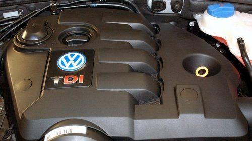 volkswagen passat b5 5.5 + plus 4x4 limousine berlina kombi variant universal quinta generazione modello vecchio nuovo new quanto costa quanto consuma come va consumi reali germania fine produzione haldex bose dynaudio rline limited edition final premium keyless go harman kardon service reset cilindrata motorizzazioni trendline confortline highline v6 1.9 2.5 tdi 1.6 1.8 2.0 2.3 2.8 4.0 fsi 4motion del 1996 1997 1998 1999 2000 2001 2002 2003 2004 2005 2006 restyling facelift design menu nascosto anno model year problemi valutazione valore usato usata vendita versione seconda mano comprare pregi difetti guasti affidabilità acquisto incidentata carrozzeria paraurti luci fari fanali specchietti vetri portiere ruote gomme cerchi cerchioni motore meglio diesel benzina turbo biturbo twinturbo triturbo bi-fuel gas gpl metano gasolio consumi di olio bluetooth start stop ricarica booster doppia batteria remota scarica pila trazione anteriore posteriore integrale elettrica ecu obd2 diagnostica percorrenza autonomia allestimento testata guarnizione cilindri pistoni pompa olio acqua infiltrazione modalità avaria iniettori fumo bianco blu azzuro grigio nero interni plancia volante radio multimedia infotainment jack aux cd changer yatour novitec usb cruise control sedili riscaldati spazio pulsanti minigonne tetto apribile panoramico bagagliaio baule prezzi riparazioni rumori scatola trasmissione ripartitore di coppia cremagliera sterzo sospensioni pneumatiche cuscini idrauliche adattive configuratore codding blocco differenziale riduttore cardano semiasse scarico fusibile elettronica cambio manuale automatico robotizzato variatore lavaggio solenoidi blocco idraulico convertitore di coppia meccatronica distribuzione servizi catena cinghia tenditore elaborazioni spie quadro doppia frizione multidisco rumore volano monomassa bimassa valvola egr filtro dpf fap intasato olio abitacolo carburante dischi pastiglie pinze freni caratteristiche sensori alzacristalli fischio turbina turboco