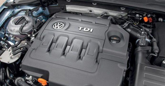volkswagen touran minivan microvan monovolume goal style united adblue ecofuel hulk r-line sportline cross prima generazione modello vecchio nuovo new quanto costa quanto consuma come va consumi reali germania fine produzione haldex dsg6 dq250 dsg7 dq200 bose dynaudio rline limited edition final premium keyless go harman kardon service reset cilindrata motorizzazioni trendline confortline highline 1.4 1.6 1.8t 1.9 2.0 2.3 2.5 3.2 tdi fsi tsi 4motion del 1997 1998 1999 2000 2001 2002 2003 2004 2005 2006 2007 2008 2009 2010 2011 restyling facelift design menu nascosto anno model year problemi valutazione valore usato usata vendita versione seconda mano comprare pregi difetti guasti affidabilità acquisto incidentata carrozzeria paraurti luci fari fanali specchietti vetri portiere ruote gomme cerchi cerchioni motore meglio benzina turbo biturbo twinturbo triturbo bi-fuel gas gpl metano gasolio consumi di olio bluetooth start stop ricarica booster doppia batteria remota scarica pila trazione anteriore posteriore integrale elettrica ecu obd2 diagnostica percorrenza autonomia allestimento testata guarnizione cilindri pistoni pompa olio acqua infiltrazione modalità avaria iniettori fumo bianco blu azzuro grigio nero interni plancia volante radio multimedia infotainment jack aux cd changer yatour novitec usb cruise control sedili riscaldati spazio pulsanti minigonne tetto apribile panoramico bagagliaio baule prezzi riparazioni rumori scatola trasmissione ripartitore di coppia cremagliera sterzo sospensioni pneumatiche cuscini idrauliche adattive configuratore codding blocco differenziale riduttore cardano semiasse scarico fusibile elettronica cambio manuale automatico robotizzato variatore lavaggio solenoidi blocco idraulico convertitore di coppia meccatronica distribuzione servizi catena cinghia tenditore elaborazioni spie quadro doppia frizione multidisco rumore volano monomassa bimassa valvola egr filtro dpf fap intasato olio abitacolo carburante dischi pastiglie pinze fr
