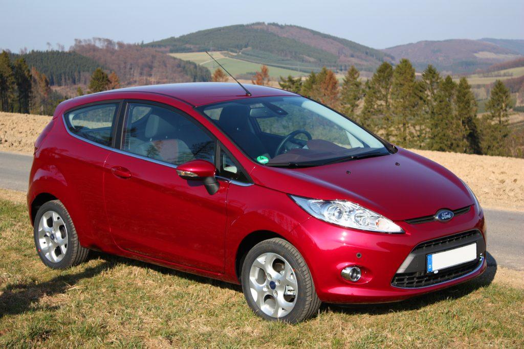Recensione della Ford Fiesta 6 con tutti le informazioni, i difetti, i problemi e i costi di mantenimento