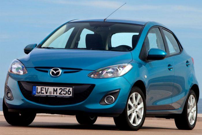 Recensione della Mazda 2 DE con tutte le informazioni, i difetti, i problemi e i costi di mantenimento