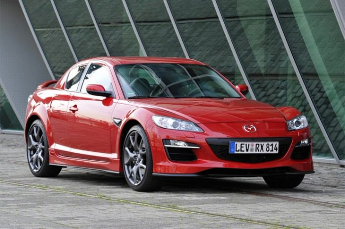 Recensione della Mazda RX-8 con tutte le informazioni, i difetti, i problemi e i costi di mantenimento