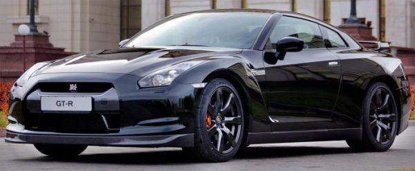Recensione della supercar Nissan GT-R con tutte le informazioni, i difetti, i problemi e i costi di mantenimento
